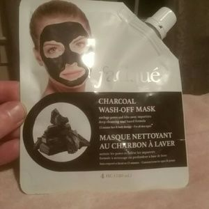 NWT Facique Charcoal Mask